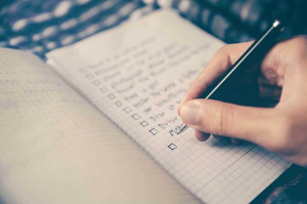 setting fitness goals on paper